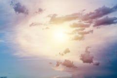 Солнце в разбивочном небе Стоковое Изображение RF
