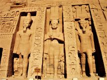 Солнце Египет статуй виска Abu Simbel стоковые изображения