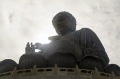 Солнце на ладони ` s Будды Стоковые Фото