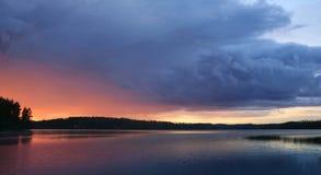 солнце озера полуночное Стоковые Фото