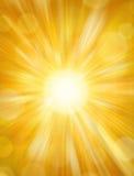 солнце предпосылки светя Стоковая Фотография