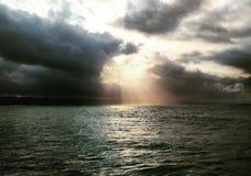 Солнце Thr яркое стоковое изображение