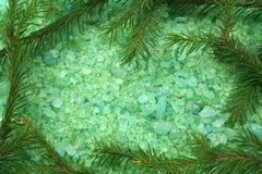 соль сосенки ванны стоковое фото rf