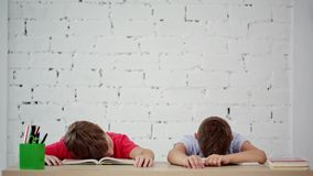 Сон зрачков в классе акции видеоматериалы