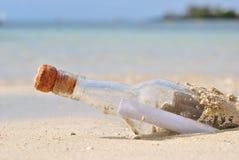 сообщение бутылки Стоковая Фотография RF