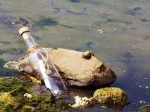 Сообщение в бутылке Стоковая Фотография RF