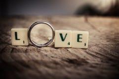 Сообщение влюбленности в плитках Стоковые Фотографии RF