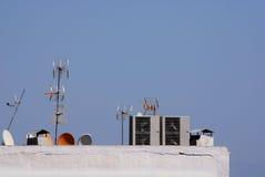 Сообщение и спутниковые антенна-тарелки Стоковое Изображение RF