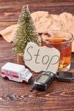 Сообщение, стекло спирта, ключа автомобиля Стоковое Изображение RF