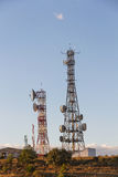 сообщения начинают следующие системы перерыва радиосвязи к башням сегодня будут Стоковая Фотография