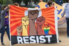 Сопротивляйтесь знамени на протесте иммиграции DACA Стоковое фото RF
