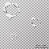 Сорванное бумажное реалистическое, отверстия в листе бумаги на прозрачной предпосылке Стоковое Изображение RF