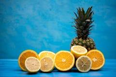 Сорванные сочные очень вкусные плодоовощи стоковые изображения