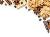 Сортированная рамка кофе циннамона вафли печенья на белизне Стоковое фото RF