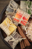 Сортированные естественные мыла и соль для принятия ванны Стоковая Фотография