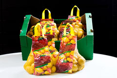 Сортированные и упакованные картошки Стоковые Фотографии RF