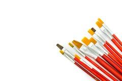 Сортированные кисти художников изолированные на белой предпосылке Стоковые Фотографии RF