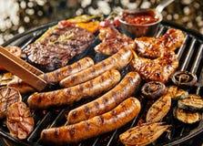 Сортированные мясо и овощи на BBQ лета Стоковое Изображение