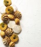 Сортированные печенья: печенья linzer, shortbread, чокнутое печенье, оранжевые печенья миндалины Стоковые Изображения