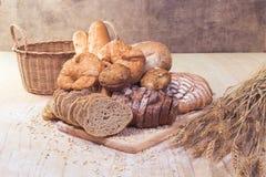 Сортированные хлеб и печенье стоковые фотографии rf