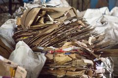 Сортировать хлама, картон, конец-вверх, материал коробки стоковая фотография rf