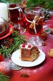 сосенка померанцев игл лимонов дат состава кофе cloves рождества шоколада шариков яблок ангела красивейшая представляет изюминки  Стоковое Фото