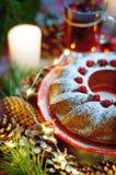 сосенка померанцев игл лимонов дат состава кофе cloves рождества шоколада шариков яблок ангела красивейшая представляет изюминки  Стоковые Фотографии RF
