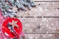 сосенка померанцев игл лимонов дат состава кофе cloves рождества шоколада шариков яблок ангела красивейшая представляет изюминки  Стоковое фото RF