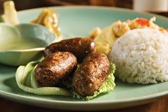 сосиска еды чеснока стоковое изображение rf