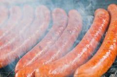 Сосиска зажаренная в духовке на гриле Стоковая Фотография