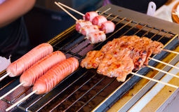 Сосиска и зажаренный в духовке свинина стоковые фотографии rf
