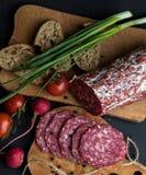 Сосиски с различной едой стоковые фотографии rf