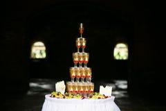 Составленные стекла пирамиды шампанского Стоковые Изображения RF
