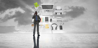 Составное изображение бизнесмена на телефоне Стоковое фото RF