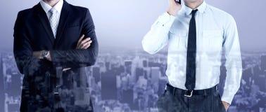 Составное изображение бизнесмена на телефоне Стоковые Изображения RF