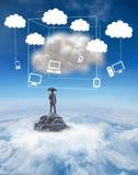 Составное изображение бизнесмена стоя под зонтиком Стоковые Изображения