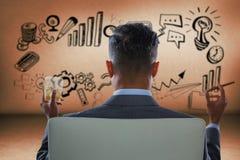 Составное изображение вид сзади бизнесмена держа стекло и сигару вискиа Стоковые Фотографии RF
