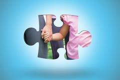 Составное изображение волонтеров поддерживая кампанию рака молочной железы Стоковое Изображение