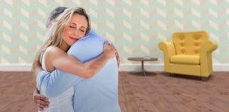 Составное изображение зрелый обнимать пар Стоковые Изображения