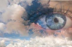Составное изображение конца вверх женского голубого глаза Стоковые Изображения RF