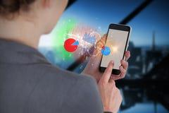 Составное изображение конца-вверх коммерсантки используя мобильный телефон Стоковые Изображения RF