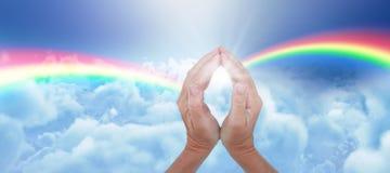 Составное изображение конца-вверх соединенных рук Стоковые Фото