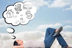 Составное изображение молодой женщины лежа на думать пола Стоковые Фото