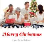 Составное изображение подарков рождества отверстия семьи дома Стоковое Изображение