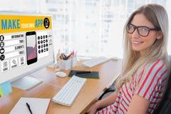 Составное изображение привлекательного редактора фотографий работая на компьютере стоковая фотография