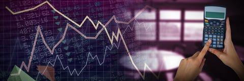 Составное изображение рук коммерсантки используя калькулятор Стоковая Фотография