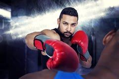 Составное изображение тренера бокса с его бойцом Стоковые Изображения RF