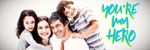 Составное изображение усмехаться parents давать их детям езду автожелезнодорожных перевозок стоковые изображения rf