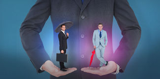 Составное изображение усмехаясь бизнесмена под зонтиком с портфелем Стоковое Изображение