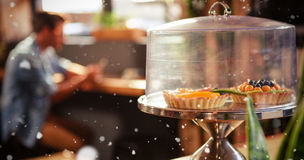 Составное изображение фокуса на тортах в кофе битника Стоковое Фото